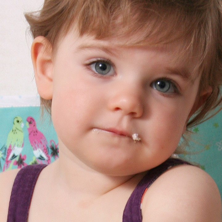 Lilly Lockenkopf feiert zweiten Geburtstag