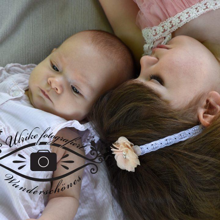 Lilly Lockenkopf ist große Schwester